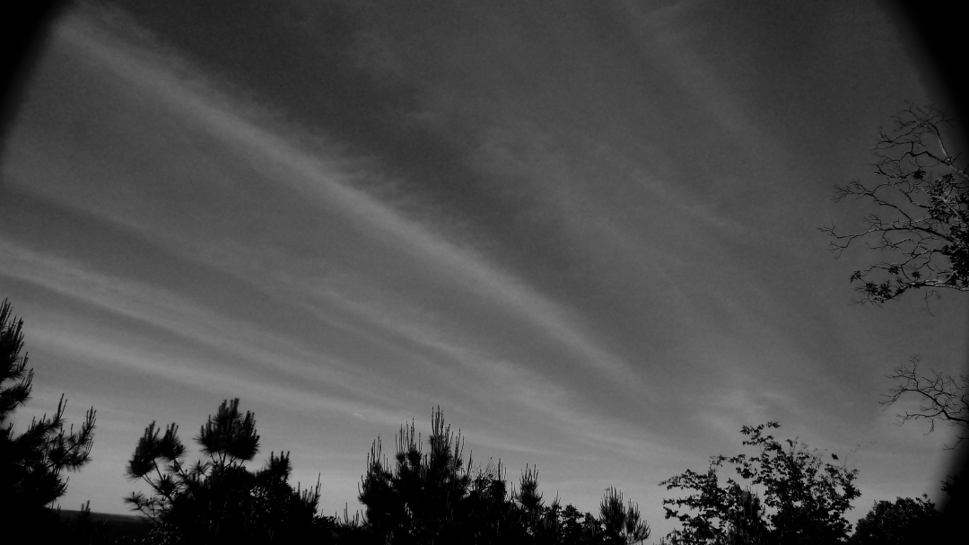 5-24 Cloud rays BW